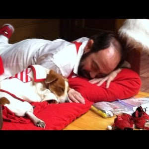Danny Woodburn Talks About Acting With Dogs In Santa Paws2